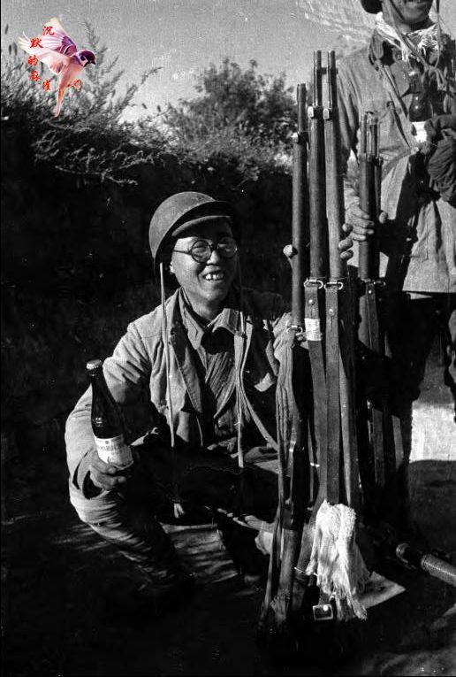 八路军击败日军凯旋照