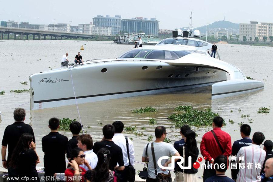 珠海造出世界最大三体私人游艇可用iPad遥控