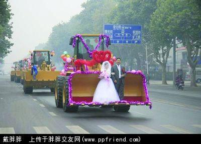 婚车拒绝豪华 另类婚车集图片